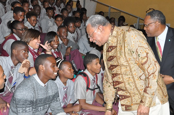 Bahamas high commissioner to london encourages freeport students