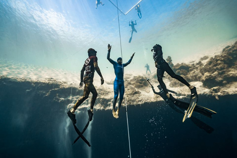 Vertical Blue Free Diving International Competition
