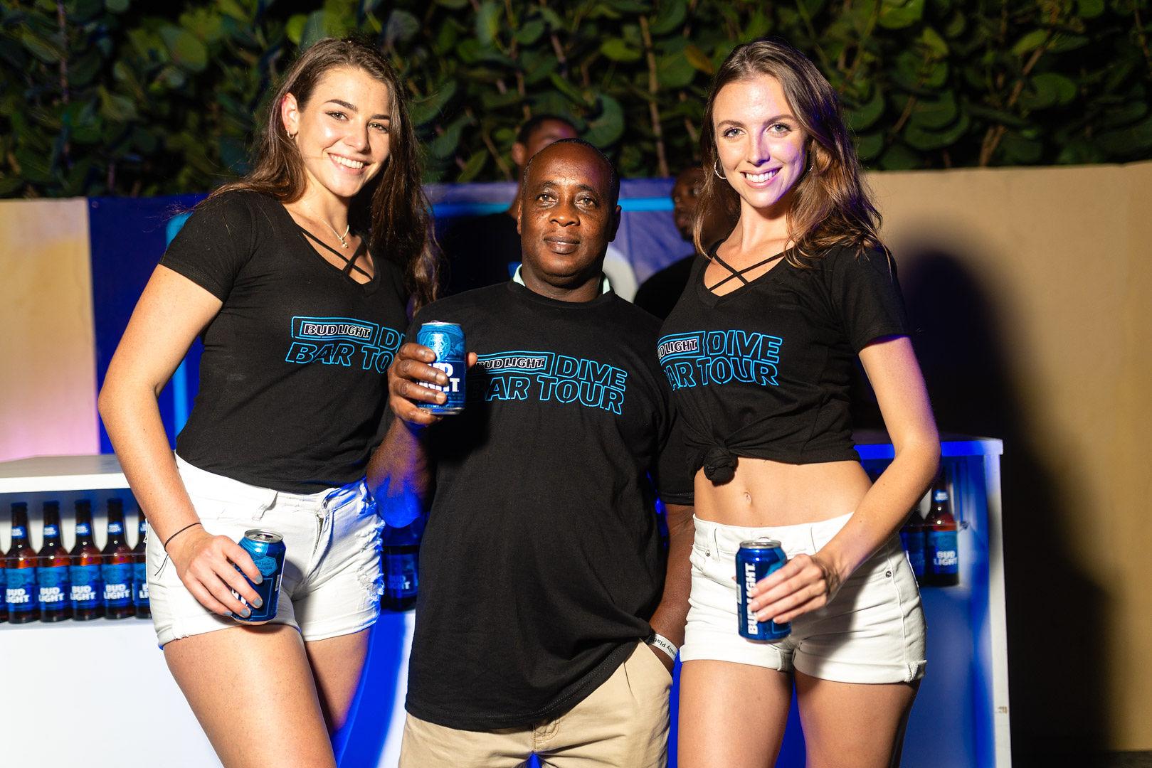 Bud Light Dive-Bar tour Winners get Boosie VIP Concert Experience