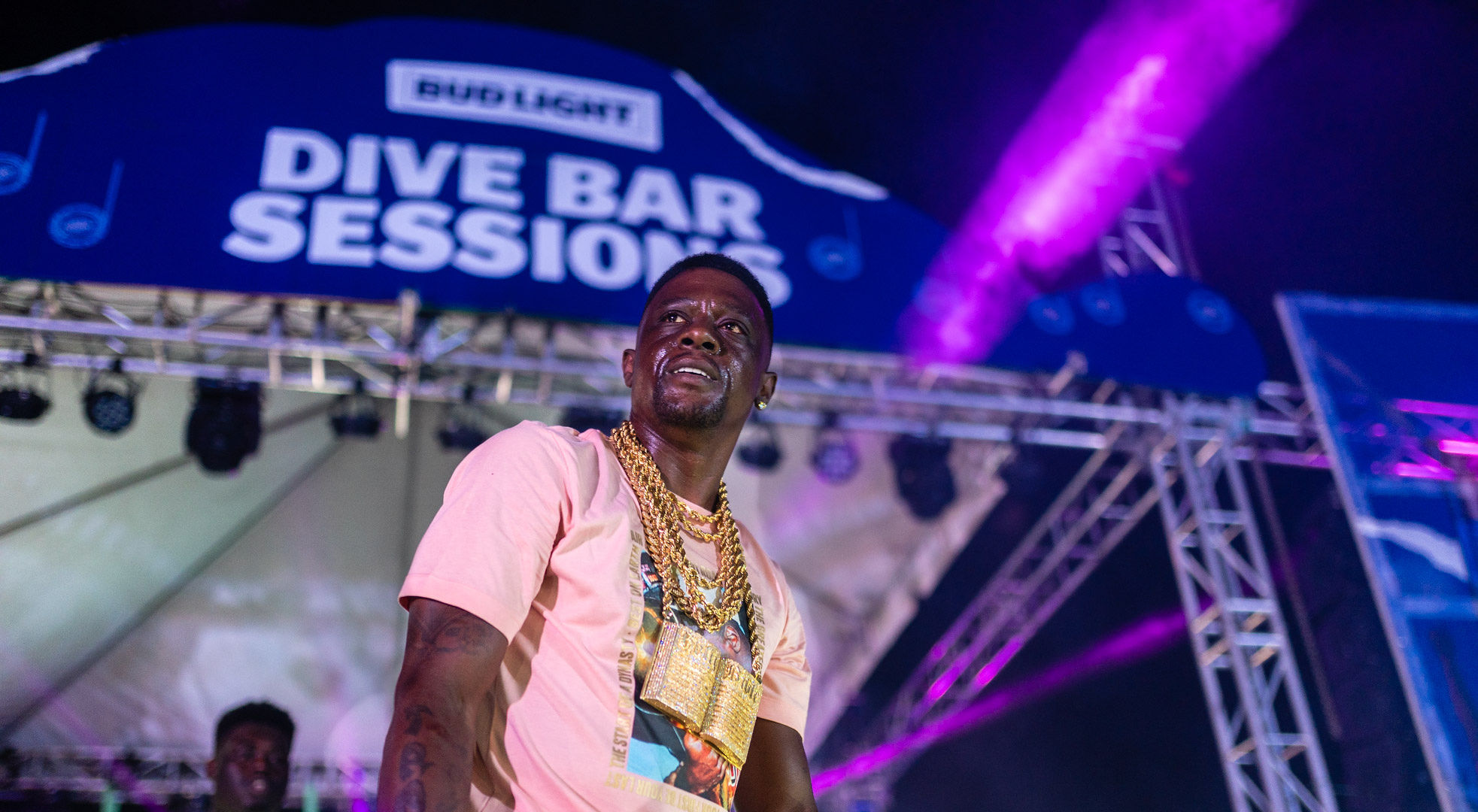 Bud Light Dive-Bar tour Winners get Boosie VIP Concert Experience