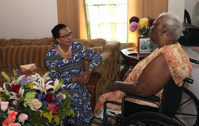 Ms Effie Walkes Received Flowers From The Governor General For Her 95th Birthday Nassau Paradise Island Bahamas Bahamas Local News Nassau Paradise Island Bahamas