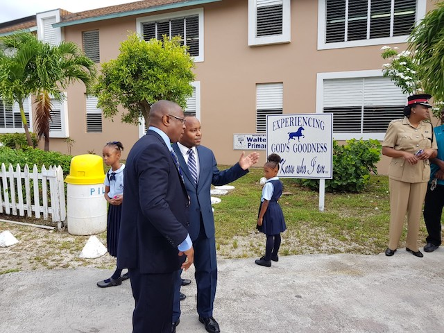 Minister Thompson joins GB primary school students on campus