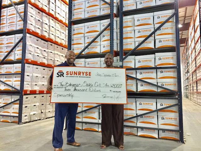 Sunryse Information Management donates to Bahamas Sickle Cell Association to boost ongoing awareness initiatives. Pictured l to r: Fabian Fernander, Vice President of Sunryse Information Management and Sonya Longley, President of the Bahamas Sickle Cell Association.