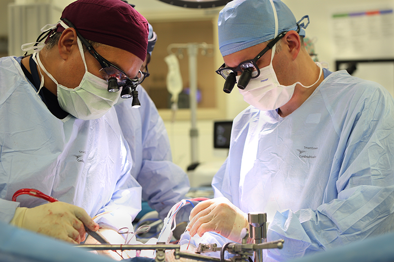Cleveland Clinic Florida's surgeon's performing their 1st living donor liver transplant surgery