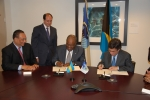 Prime Minister of The Bahamas and IDB President sign emergency financing for hurricane Irene