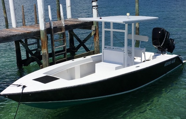 Custom 25 39 center console based on a classic chris craft for Chris craft boat accessories