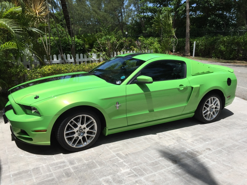 2014 mustang premium v6 cars trucks other vehicles parts cars nassau paradise island. Black Bedroom Furniture Sets. Home Design Ideas
