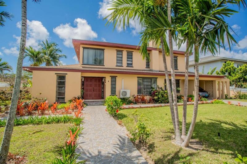 Blair Estates - House - Nassau / Paradise Island, Bahamas