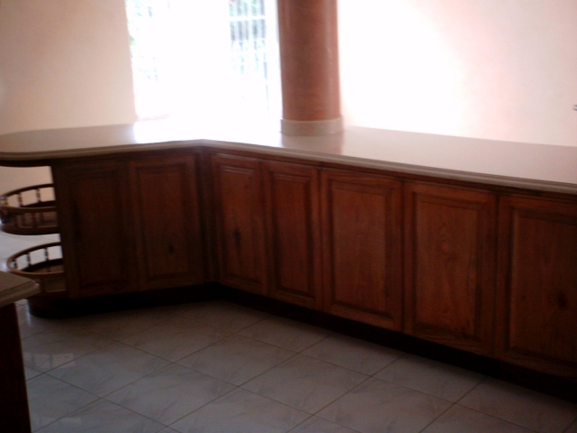 Bahamas local profile brownman for Solid wood cabinets company reviews